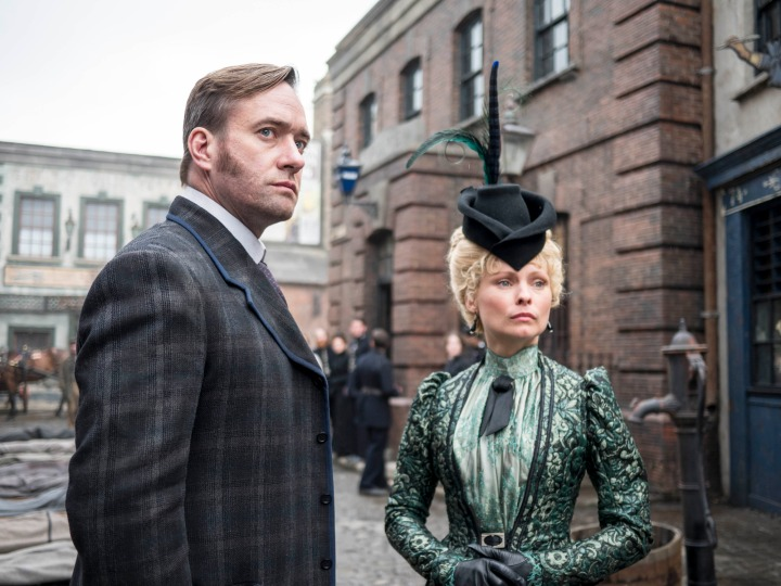 Programme Name: Ripper Street - TX: n/a - Episode: n/a (No. 1) - Picture Shows:  Detective Inspector Edmund Reid (MATTHEW MACFADYEN), Long Susan (MYANNA BURING) - (C) Tiger Aspect 2014 - Photographer: Bernard Walsh