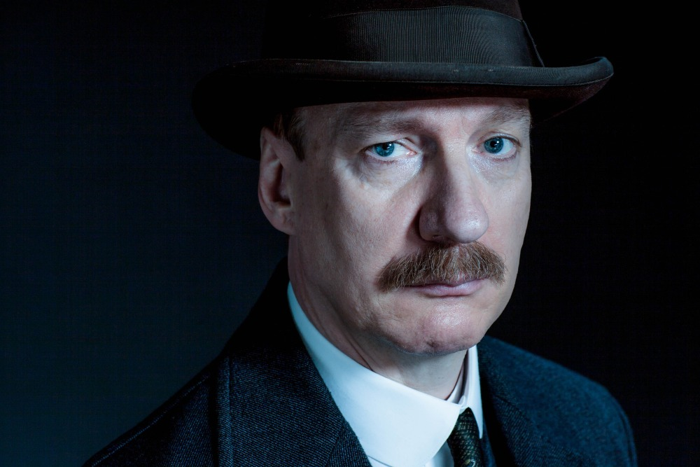 WARNING: Embargoed for publication until 08/09/2015 - Programme Name: An Inspector Calls - TX: 13/09/2015 - Episode: An Inspector Calls (No. n/a) - Picture Shows: The Inspector (DAVID THEWLIS) - (C) BBC/Drama Republic - Photographer: Laurence Cendrowicz
