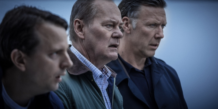 Beck 30, Sjukhusmorden/The Hospital Murders Måns Nathanaelson as Oskar Bergman, Peter Haber as Martin Beck and Mikael Persbrandt as Gunvald Larsson