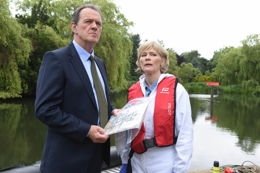 ITV STUDIOS PRESENTS FOR ITV LEWIS SERIES 9 EPISODE 3 Pictured :  KEVIN WHATELY as Lewis and CLARE HOLMAN as Dr Laura Hobson. Photographer: ROBERT DAY This image is the copyright of ITV and must be credited. The images are for one use only and to be used in relation to LEWIS, any further usage could incur a fee.