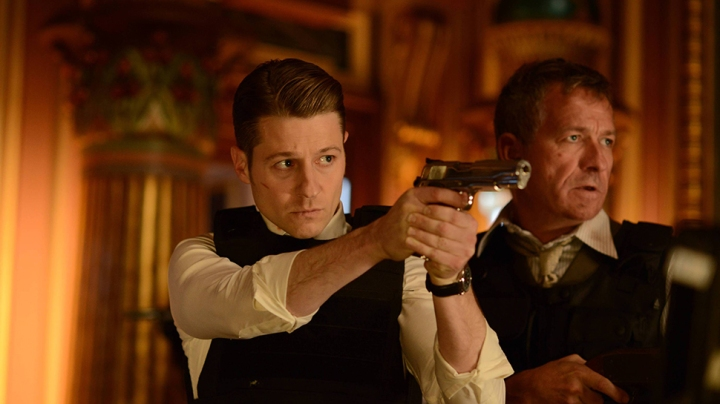 """GOTHAM: L-R: Ben McKenzie and Sean Pertwee in the """"Rise of the Villains: Worse Than A Crime"""" episode of GOTHAM airing Monday, Nov. 30 (8:00-9:00 PM ET/PT) on FOX. ©2015 Fox Broadcasting Co. Cr: Nicole Rivelli/ FOX"""