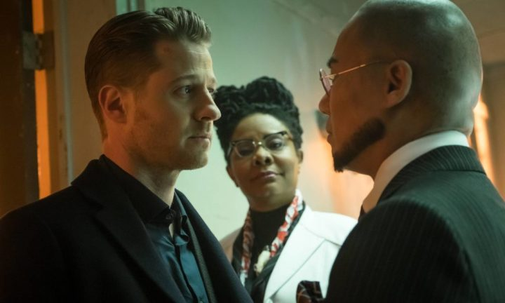 "GOTHAM: L-R: Ben McKenzie, guest stars Tonya Pinkins and BD Wong Cory in the ""Wrath of the Villains: Unleashed"" episode of GOTHAM airing Monday, May 2 (8:00-9:01 PM ET/PT) on FOX. ©2016 Fox Broadcasting Co. Cr: Jeff Neumann/FOX"