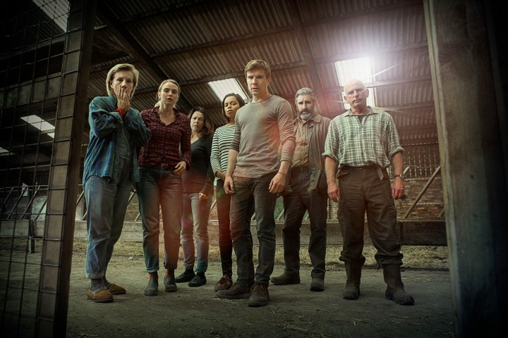 Programme Name: One of Us - TX: n/a - Episode: n/a (No. 1) - Picture Shows: Louise Elliot (JULIET STEVENSON), Claire Elliot (JOANNA VANDERHAM), Moira Douglas (JULIE GRAHAM), Anna (GEORGINA CAMPBELL), Rob Elliot (JOE DEMPSIE), Bill Douglas (JOHN LYNCH), Alastair (GARY LEWIS) - (C) BBC - Photographer: Mark Mainz