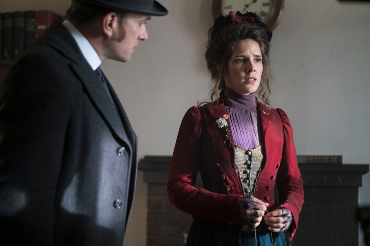 Programme Name: Ripper Street  S4 - TX: 05/09/2016 - Episode: n/a (No. 3) - Picture Shows: (L-R) Edmund Reid (MATTHEW MACFADYEN), Leda Starling (SONYA CASSIDY) - (C) Tiger Aspect 2016 - Photographer: Bernard Walsh