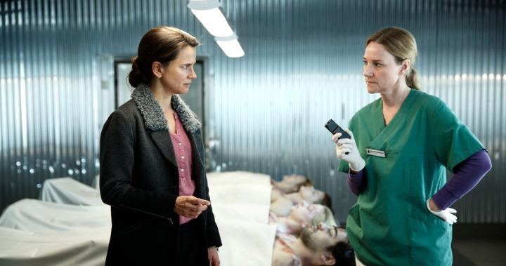 Programme Name: Modus - TX: n/a - Episode: n/a (No. 6) - Picture Shows: (L-R) Inger Johanne Vik (MELINDA KINNAMAN), Hedvig Nyström (ANNIKA HALLIN) - (C) © Miso Film 2015 - Photographer: Johan Paulin