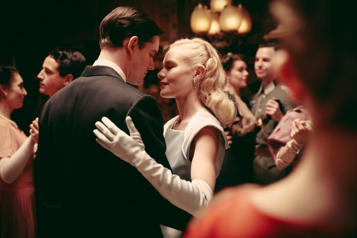 WARNING: Embargoed for publication until 00:00:01 on 21/02/2017 - Programme Name: SS-GB - TX: n/a - Episode: n/a (No. n/a) - Picture Shows: Barbara Barga (KATE BOSWORTH), Detective Superintendent Douglas Archer (SAM RILEY) - (C) Sid Gentle Films Ltd - Photographer: Laurie Sparham